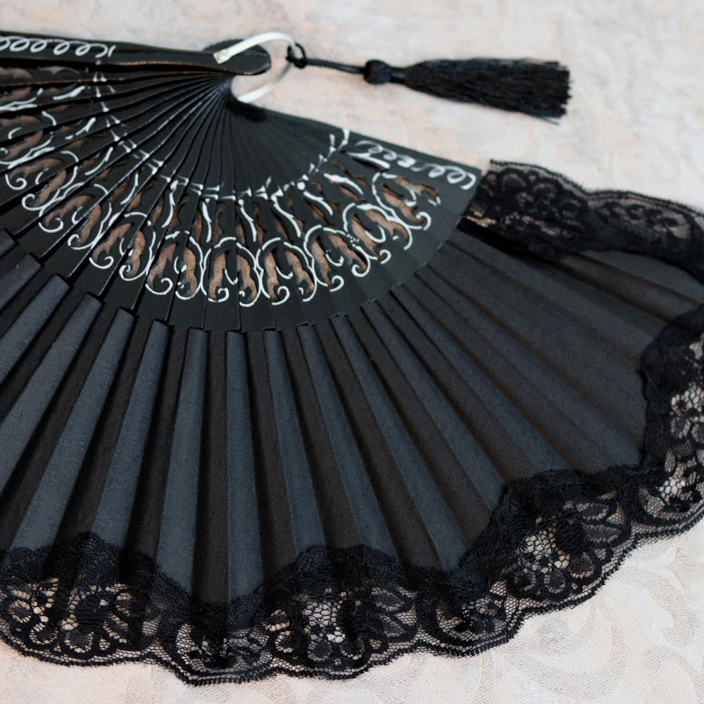 Spanish fan with lace