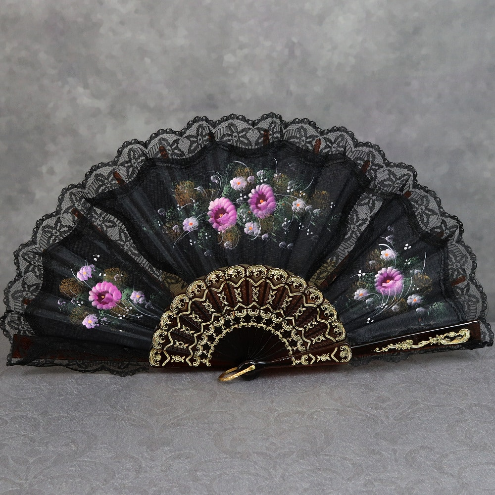 lace trimmed hand fan