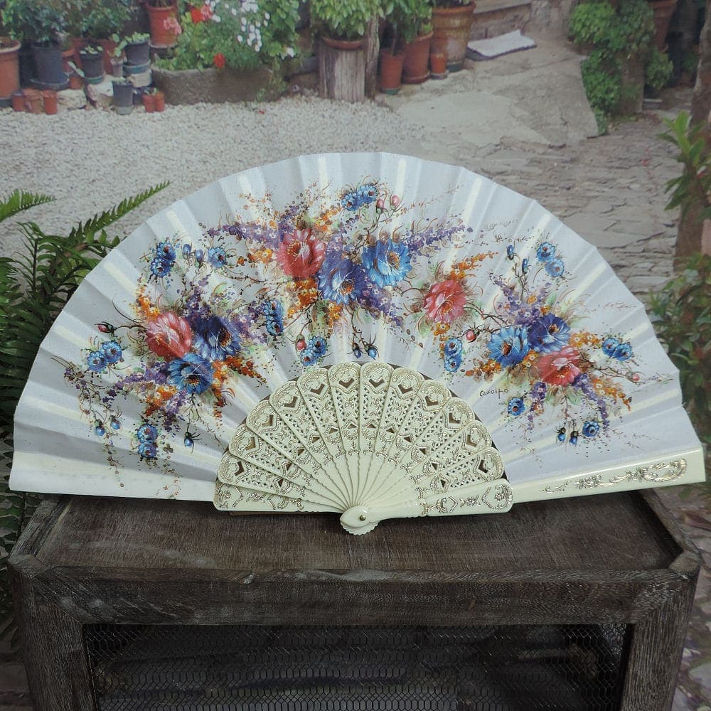traditional Spanish fan
