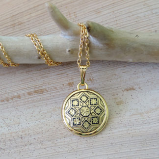 round damascene necklace