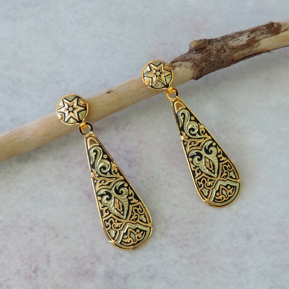 dangle damasquino earrings