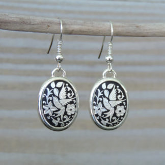 Silver oval damascene wire earrings