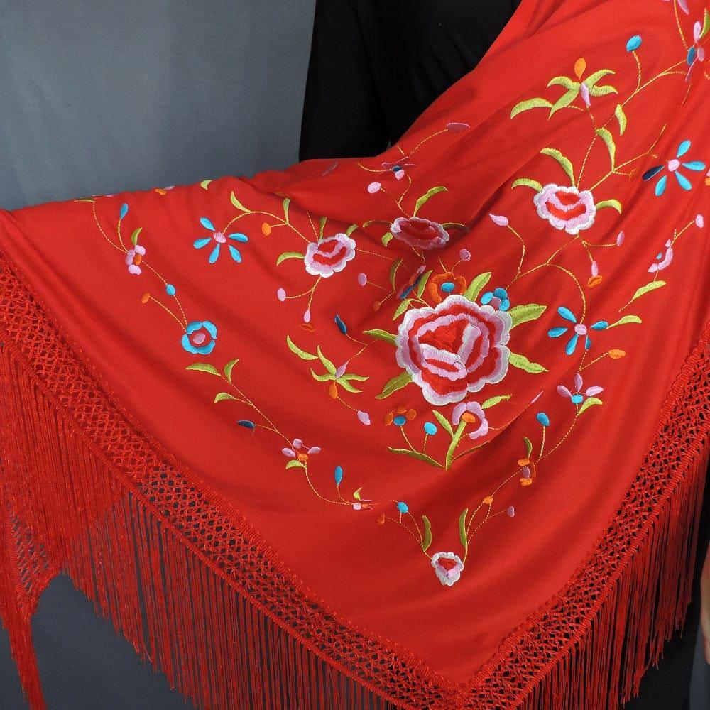 Spanish triangular knit shawl