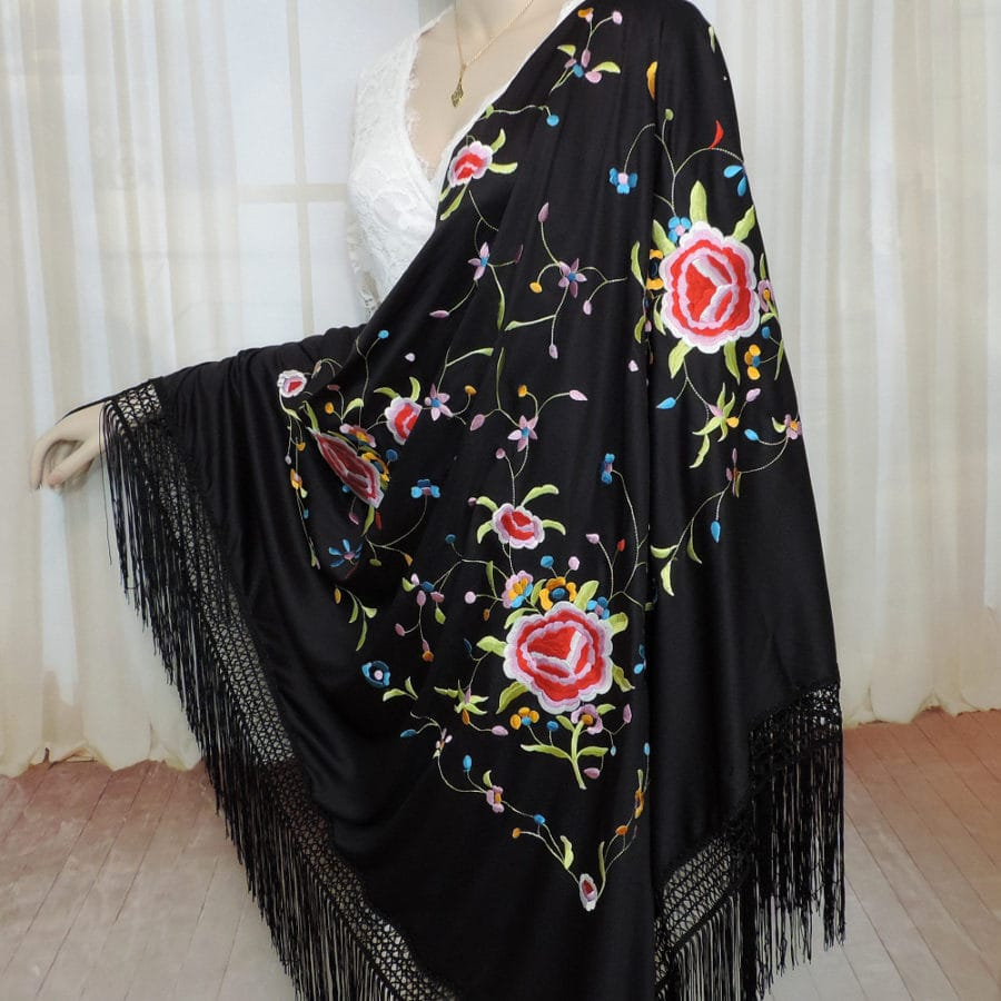traditional Spanish manton shawl