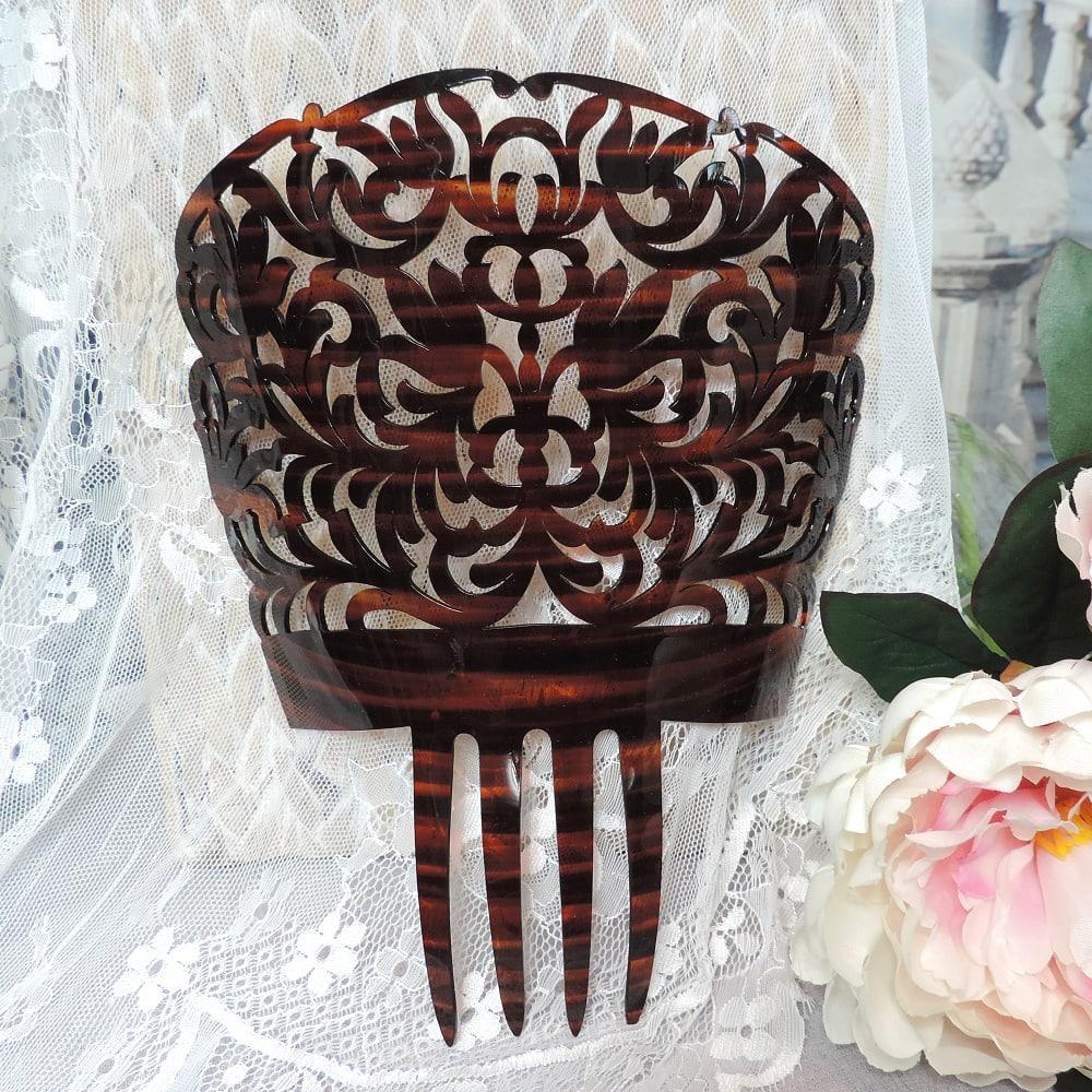 classic peineta comb