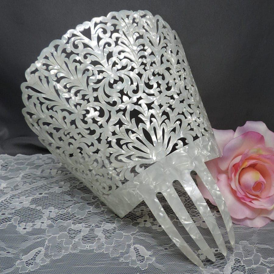 Spanish wedding comb