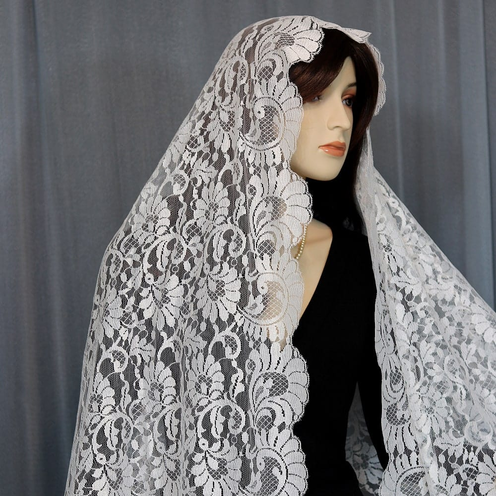 Spanish mantilla veil
